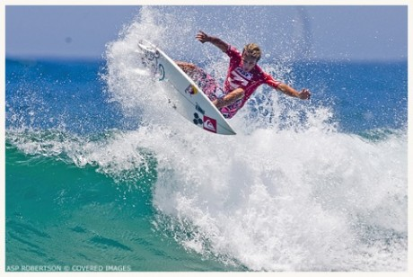 Julian Wilson (AUS), 20, put the rest of the field on notice today, scoring the event high heat total of an 18.50 out of a possible 20 to advance through to Round 3.