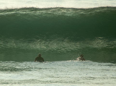 Some sizeable sets crunching down just south of Carparks this morning.