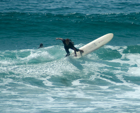 Surface getting choppier, sets further apart, but still waves to be had at North Steyne.