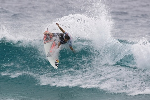 Jordy Smith (ZAF), 21, 2009 ASP Dream Tour sophomore, exploded in his Round 3 heat.